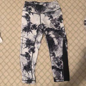 Black and White Tie Dye Capri Leggings